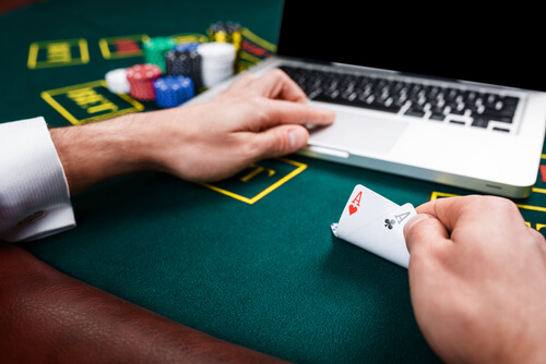 Learn about the benefits of playing at an online casino